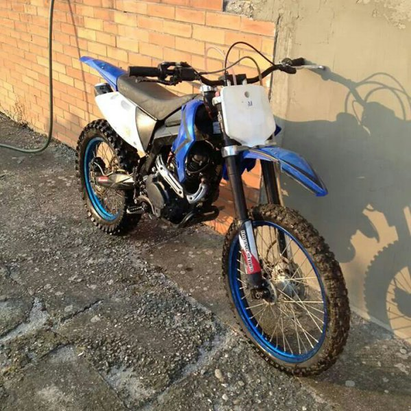 Yamaha Black Max bazar
