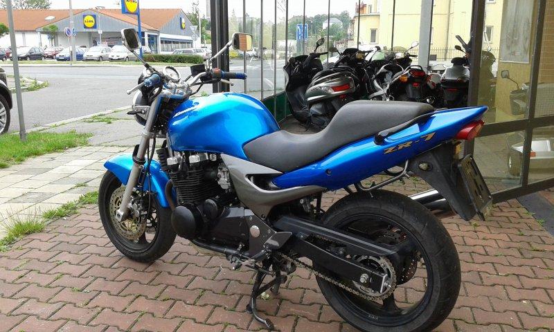 Kawasaki ZR-7 bazar