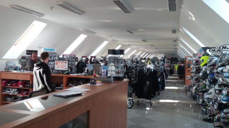 Aprilia RSV 1000 R Factory bazar