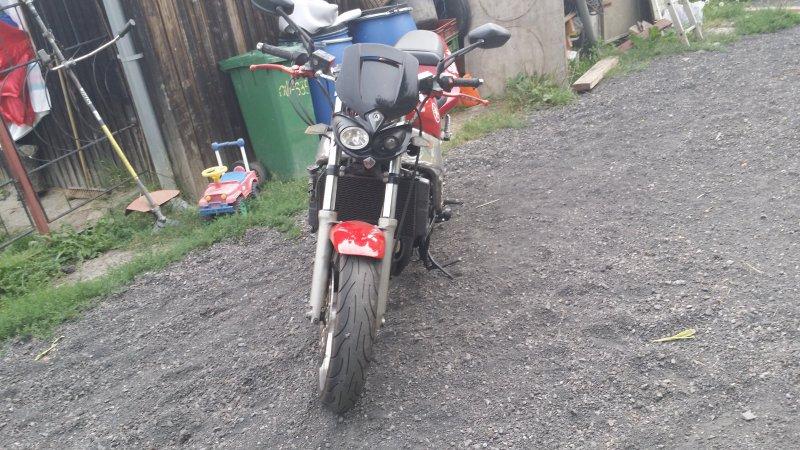 Yamaha FZR 1000 bazar