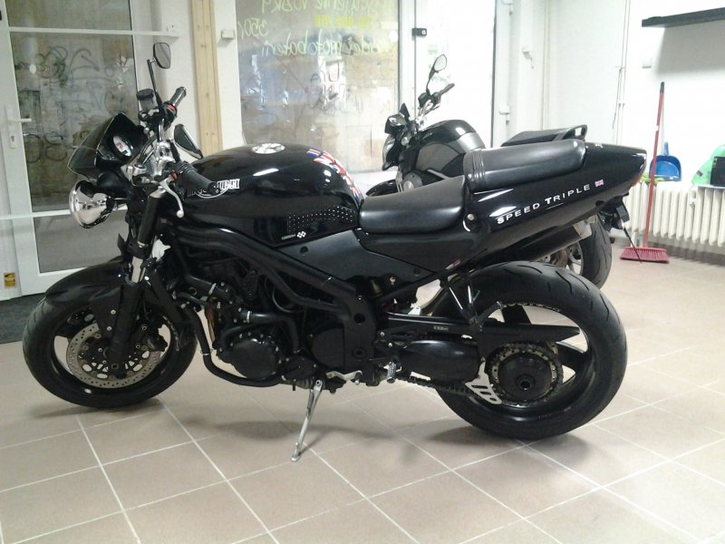 Triumph Speed Triple bazar