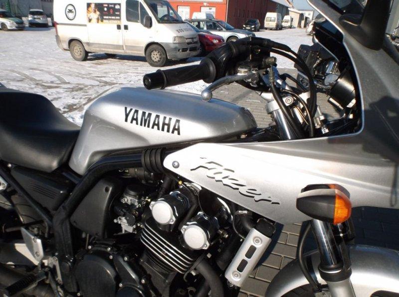 Yamaha FZS 600 S Fazer bazar